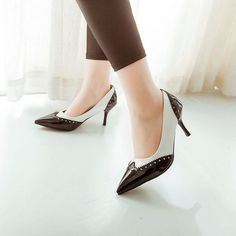 Womens Hot Patent Leather Lace Pointy Toe Kitten Heel Court Shoes Pumps Shoes