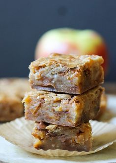 Apple Cinnamon Blondies | Sautéed apples and cinnamon chips make the ultimate portable fall treat! Recipe from Bakerita.com