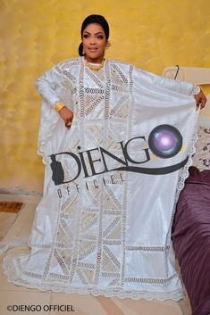 The royal wedding of mom diagne to marist Best African Dresses, Latest African Fashion Dresses, Caftan Dress, I Dress, Africa Dress, Mature Fashion, Couple Outfits, Fashion Sewing, Fashion Addict