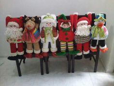 Muñecos sillas Christmas Chair, Christmas Sewing, Christmas Time, Christmas Stockings, Christmas Crafts, Merry Christmas, Christmas Decorations, Xmas, Holiday Decor