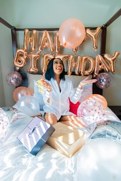 Birthday Girl Pictures, Birthday Ideas For Her, Birthday Goals, 18th Birthday Party, Girl Birthday, Birthday Photoshoot Ideas, Hotel Birthday Parties, 21st Birthday Decorations, Birthday Party Photography