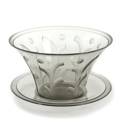 Edward Hald: An Art déco glass bowl with engraved geometrical decoration. Manufactured by Orrefors / Sandvik. H. 12.5. Diam. 20.5 cm.