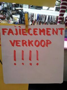 Wat is hier vout aan? :-))) Fajiecement - Taalvoutjes Punny Puns, One Job, Humor, Funny Signs, I Laughed, Haha, Laughter, Cool Photos, Comedy