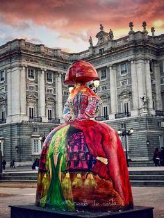 Menina y Palacio Real (Madrid, Spain)