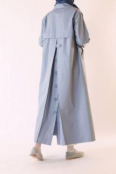 HE-QA Trençkot Modelleri – Fashionable Shares Abaya Fashion, Muslim Fashion, Fashion Dresses, Hijab Fashion Inspiration, Mode Inspiration, Fashion Tips, Leather Trench Coat Mens, Iranian Women Fashion, Abaya Designs