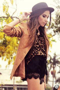 FashionCoolture 01/13/2013 look du jour romwe shirt leopard lace shorts hat Asos (2)