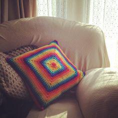 rainbow cushion by cuteashook Inspiring Crochet Photos Rainbow Crochet, Love Crochet, Beautiful Crochet, Knitting Projects, Crochet Projects, Mandala Rug, Fan Tattoo, Crochet Cushions, Rainbow Colors