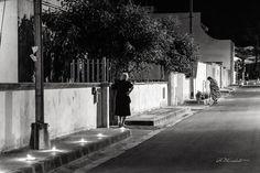 Processione [2/2]  Ognuno vive la processione a modo suo l'attesa per il passaggio l'attesa come festa.  [su Instragram  @whydigitalphoto]
