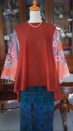 Blouse batik  Model semi pingguin.  Bahan       :  Katun Ima mix batik (tdk luntur) Uk             :  M - XL (LD 100 - 104cm) Kwalitas   :  Great Quality Foto          :  Barang ASLI bukan mirip/ tiruan  Info Harga & Pemesanan : BBM       : 5D3AF5E6 WA/HP  :  08170814707 (For serious buyer only)  Have a nice shopping :)