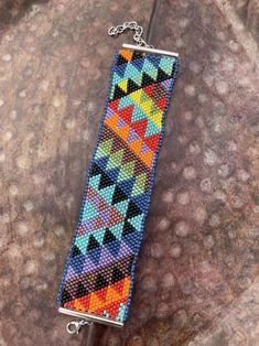 Native Beading Patterns, Seed Bead Patterns, Beaded Bracelet Patterns, Peyote Patterns, Jewelry Patterns, Bead Organization, Friendship Bracelets Designs, Beaded Lanyards, Native American Beadwork