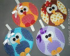 marcador de pagina com cd - Pesquisa Google Kids Crafts, Old Cd Crafts, Hobbies And Crafts, Felt Crafts, Fabric Crafts, Diy And Crafts, Paper Crafts, Cd Recycle, Recycled Cds