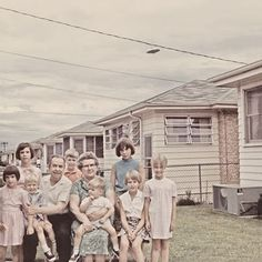It would be the last family photo that they took before the UFO beamed them all up