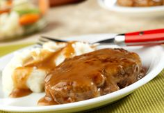 Ready in just 35 minutes, this simple Salisbury steak recipe from Campbell's Kitchen is delicious and can be made with a few on-hand ingredients and ground beef. Meat Recipes, Cooking Recipes, Hamburger Recipes, Budget Recipes, Dinner Recipes, Venison Recipes, Budget Meals, Easy Cooking, Yummy Recipes