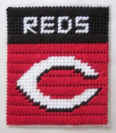 Cincinnati Reds tissue box cover in plastic canvas PATTERN ONLY