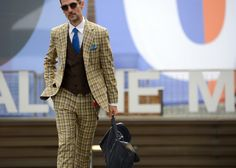 - Roger Mazzeo in Florence - More #streetstyle post on www.thestreetmuse.it