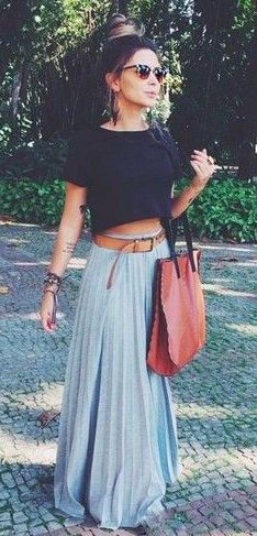 Pleated maxi skirt and crop top - thinking I can make a crop top like that using a regular black tshirt...hmmm