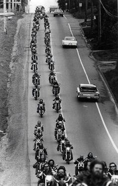 """""""Pit Stop at the Bait Shack"""" - Originals - All Artwork - David Mann - Motorcycle Art Harley Davidson Chopper, Biker Clubs, Motorcycle Clubs, Bagger Motorcycle, Motorcycle Quotes, Hells Angels, New Motorcycles, Vintage Motorcycles, Sonny Barger"""