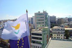 """Chipre: """"Vão deixar as pessoas passar fome para salvar o grande capital"""""""
