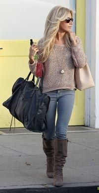 Ashley Tisdale - chunky sweater + suede boots