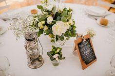 decoration de table epuree nappe blanche lanterne fleurs Big Day Bazaar David One