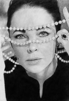 Valerie(Dollface1994)