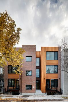 Le Bercy - 2140 Bercy Montréal, Quebec Architecture Building Design, Architecture Visualization, Urban Architecture, Residential Architecture, Townhouse Exterior, Modern Townhouse, Townhouse Designs, Brick Detail, Urban Design Plan