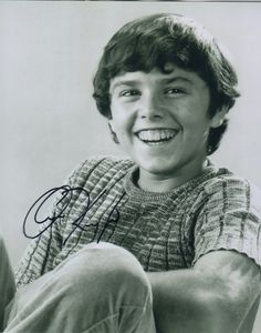 Christopher Knight Signed The Brady Bunch Peter Best Tv Shows, Favorite Tv Shows, Robert Reed, The Brady Bunch, Carol Ann, Family Tv, Popular Shows, Comedy Tv, Christopher Knight