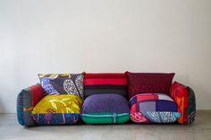 アルフレックス,テキスタイルデザイナー,鈴木マサル This sofa looks so comfy! Natural Wood Furniture, Trendy Furniture, White Furniture, Metal Furniture, Vintage Furniture, Upholstered Furniture, Sofa Furniture, Furniture Design, Office Furniture
