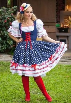 vestido-de-festa-junina-luxo-6 Party Dresses For Women, Girls Dresses, Costumes Around The World, Fancy Costumes, Diy Shirt, Custom Clothes, Pretty Outfits, Rock, Dress Skirt