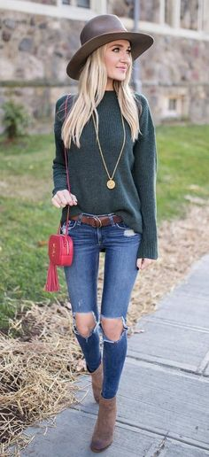 trendy outfit hat + top + rips + bag