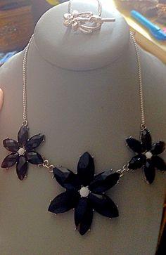 Three flower necklace