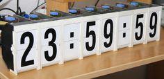 Split-flap display with clock Nixie Tube, Flip Clock, Deco, Arduino, Circuit, Display, Lights, Projects, Exhibit