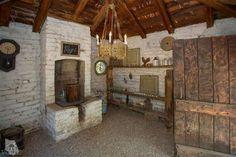 Rustic room. Great Light fixture!