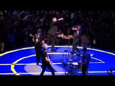 Jimmy Fallon e The Roots participam do show do U2 em Nova York. Veja! #Comediante, #JimmyFallon, #Mundo, #Música, #Programa, #Show http://popzone.tv/jimmy-fallon-e-the-roots-participam-do-show-do-u2-em-nova-york-veja/