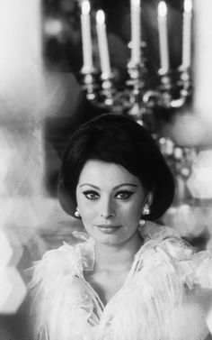 Sophia Loren Images, Classic Hollywood, Pin Up Girls, Bella, Vintage Photos, Celebrity, Celebs, Icons, Actresses