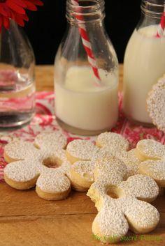 Canestrelli - A Fabulous Italian Shortbread Cookie - thecafesucrefarine.com