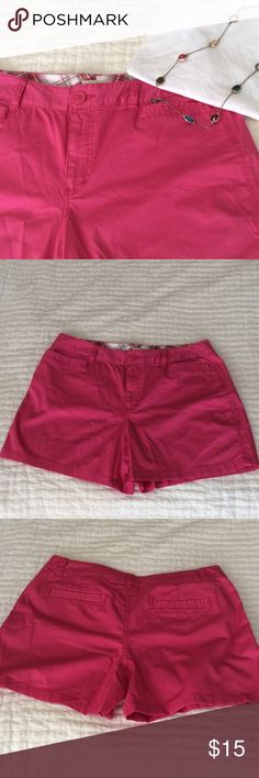 """Pink shorts, never worn💓💓💓 Never worn! 4.5"""" inseam, 16.5"""" waist, 20"""" hips, 11"""" front rise, 15"""" back rise; measured flat. 2 back pockets, 2 front pockets. 98% cotton 2% spandex. St. John's Bay Shorts"""