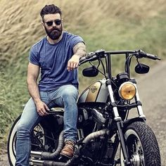 Bike Friendly Hairstyles Ideas In 2020 Motorcycle Men Hairstyles and Biker Hair Ideas Men S Hair Motorcycle Tattoos, Motorcycle Men, Motorcycle Couple, Motorcycle Photography, Photography Poses For Men, Photography Gallery, Great Beards, Awesome Beards, Mode Masculine