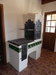 Kitchen Stove, Old Kitchen, Vintage Kitchen, Cottage Kitchens, Cottage Homes, Bq Grills, Masonry Oven, Cooking Stove, Cooking Bacon