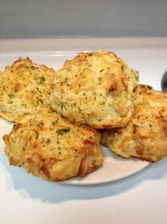 Red Lobster Cheddar Bay Biscuits. Photo by Yessy9