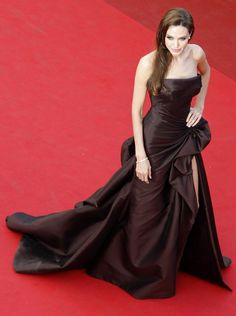 "Angelina Jolie in Atelier Versace at ""Tree of Life"" premiere in Cannes (2011)"
