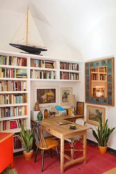 An interior design collection in which we have showcased 16 Jaw-Dropping Mediterranean Home Office Designs That Will Inspire You. Home Office Design, Home Office Decor, House Design, Office Table, Garage Design, Office Designs, Design Living Room, Home Libraries, Public Libraries