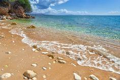 Volop genieten van de zon op Corfu! In het voorjaar genieten van de mooiste stranden van Griekenland aan de Ionische Zee.  v/a €229 Corfu, Nature Beach, Amazing Sunsets, Places To Travel, Water, Outdoor, Beaches, Water Water, Outdoors
