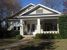 Contemporary home front steps design ideas pictures for Craftsman homes for sale in texas