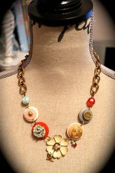 Enamel flower vintage style necklace