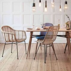 Cafe Furniture, Rattan Furniture, Eames Chairs, Dining Table Chairs, Table Teck, Design Moderne, Cozy House, Outdoor Dining, Home Kitchens