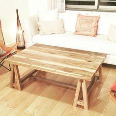 Mesa baja de petiribi. Jessie, Table, Furniture, Home Decor, Mesas, Decoration Home, Room Decor, Tables, Home Furnishings