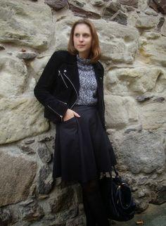 Sewionista: Me-Made-Mittwoch 29. Oktober 2014 - black leather jacket, black-white cropped turtleneck, black wide skirt, black booties