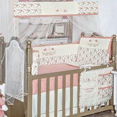 O bebê passa a maior parte dos primeiros meses de vida dormindo, então é muito importante que seu berço seja confortável e aconchegante para ele ter um sono calmo e tranquilo. Então, nada melhor que o Kit de Berço Doce Encanto - Tecido Piquet 100% Algodão! Adquira já! www.clickenxovais.com.br