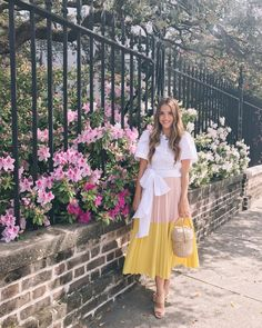 Gal Meets Glam Daily Look Sea top, Cedric Charlier skirt, Joie heels & Doen bag Modest Dresses, Modest Outfits, Classy Outfits, Chic Outfits, Casual Dresses, Fashion Outfits, Summer Dresses, Cute Fashion, Modest Fashion